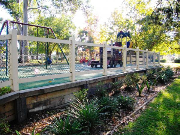 Roseville Park Playground Roseville 03